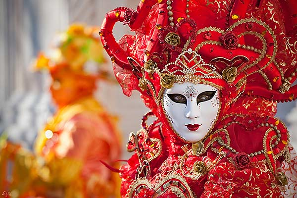 Immerse yourself in Venice's magical carnival by renting one of our Apartments