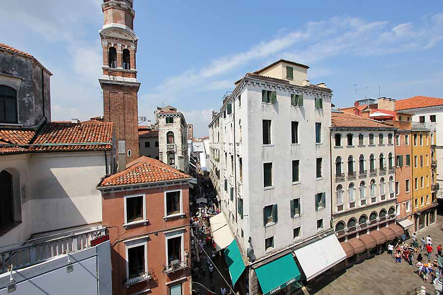 Photo 2 of 12 - Palazzo Moro 4, View (Rialto Bridge)