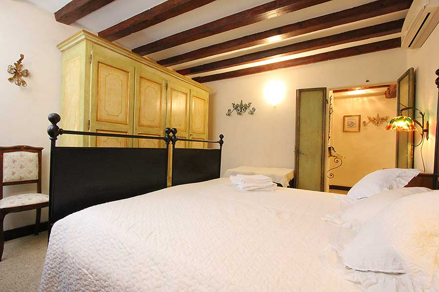 Photo 7 of 12 - Arsenale, Double Bedroom