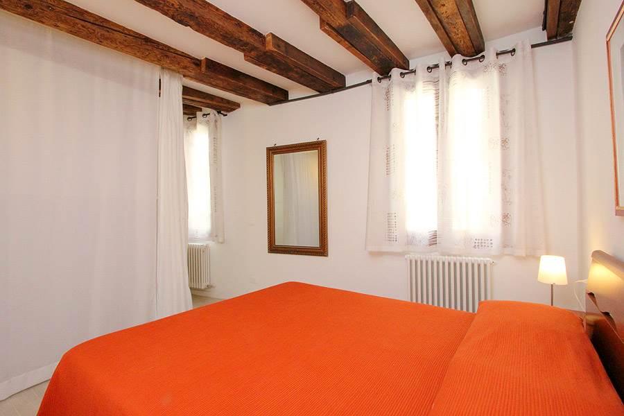 Appartement tintoretto castello venise for Appartement design venise