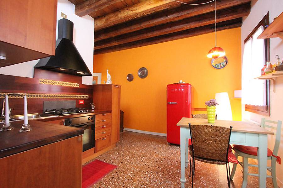 Photo 1 of 13 - Santo Stefano, Kitchen