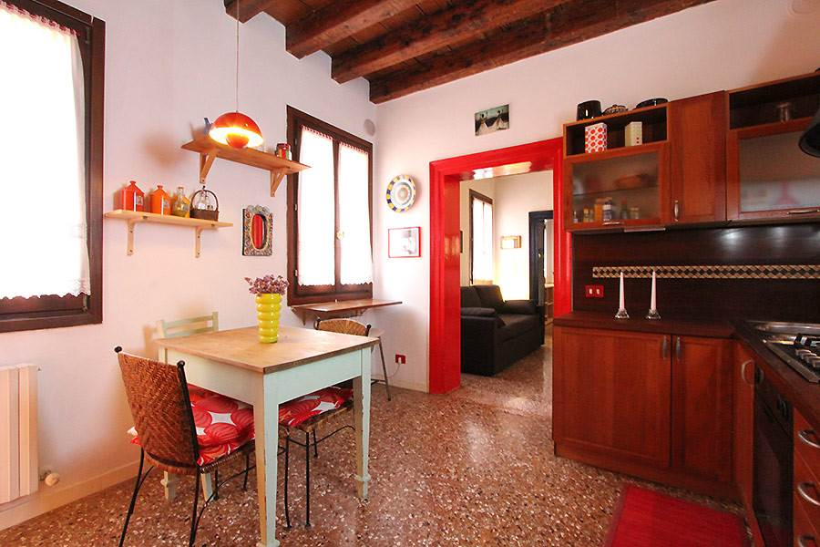 Photo 3 of 13 - Santo Stefano, Kitchen