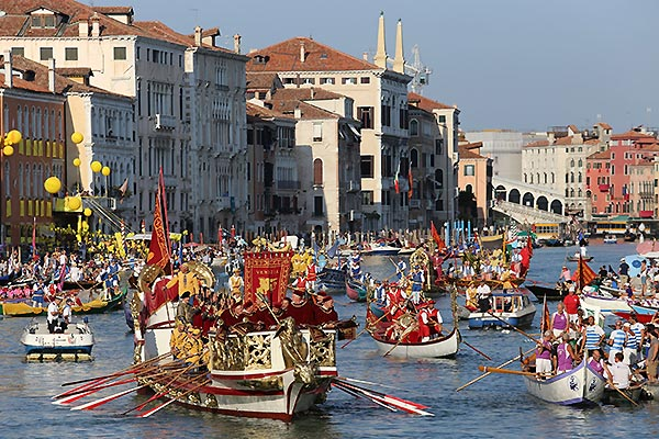 Apartments for Venice's famous regatta