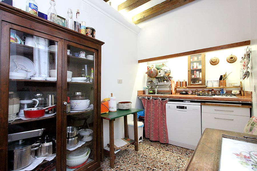Photo 6 of 16 - Garibaldi Biennale, Kitchen