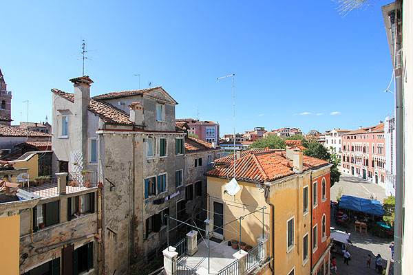 Photo 2 of 15 - Gherardini, View