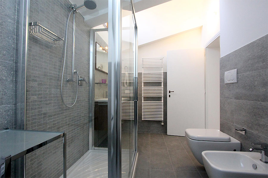Photo 13 of 19 - Albrizzi, Bathroom with shower