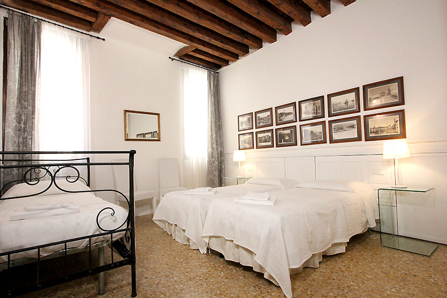 Photo 14 of 15 - Ormesini, Triple Room