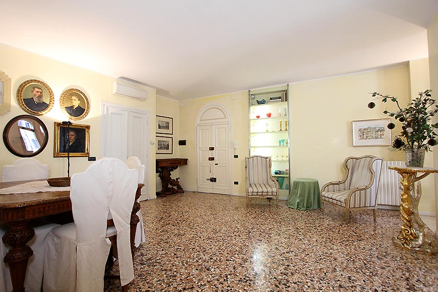 Photo 4 of 17 - San Silvestro, Dining Room