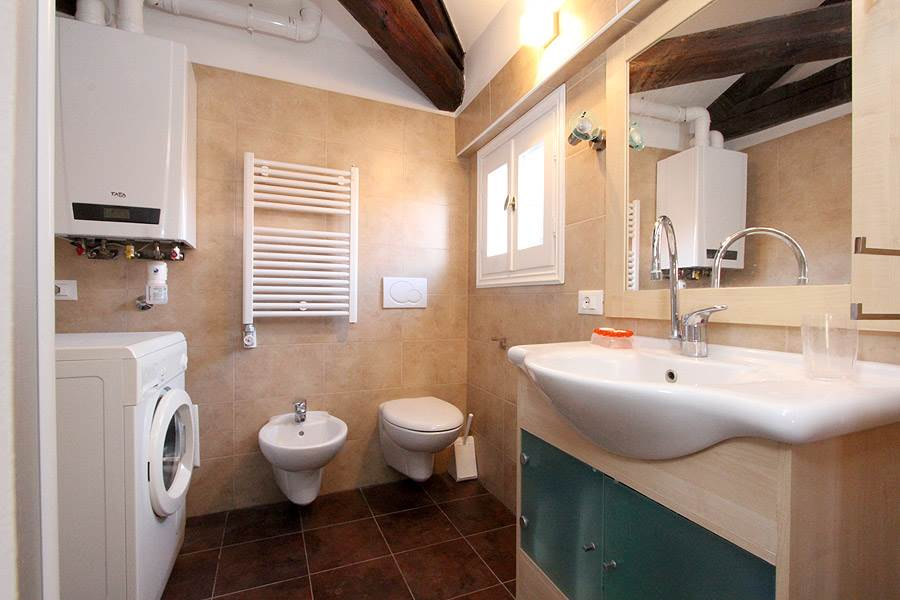 Photo 9 of 10 - Cupido, Bathroom