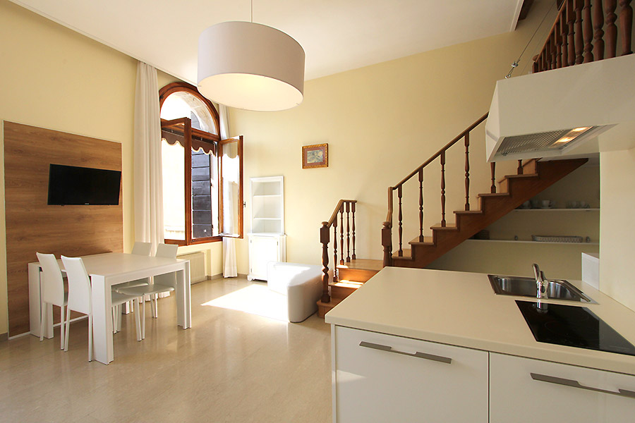 Photo 6 of 13 - Grand Canal View, Kitchen