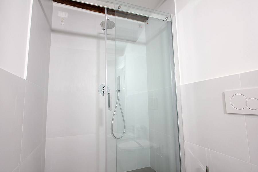 Photo 13 of 17 - Longhi, Bathroom with shower
