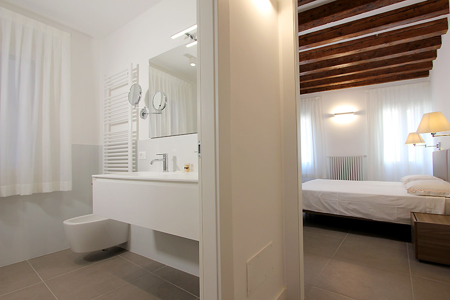 Photo 8 of 14 - Canaletto (R2A), Double Bedroom