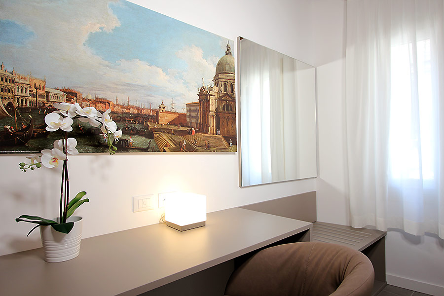 Photo 7 of 14 - Canaletto (R2A), Double Bedroom