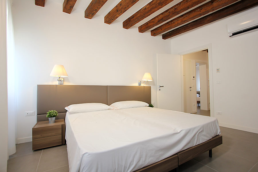 Photo 5 of 14 - Canaletto (R2A), Double Bedroom