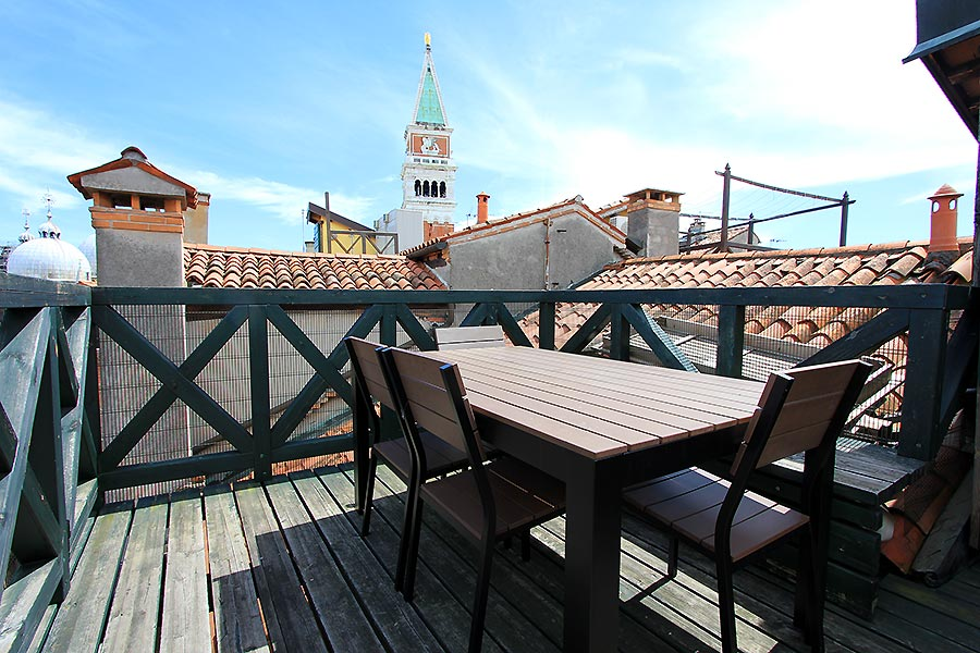 Foto 1 von 19 - Corte Zoia Terrace, View on St Mark's Basilica+Bell Tower
