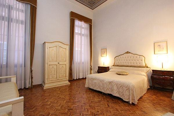 Photo 13 of 20 - Ca' del Doge, Bedroom