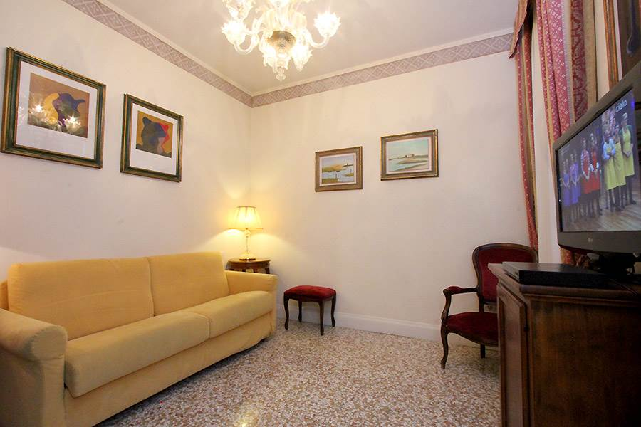 Photo 3 of 12 - Ca' del Pozzo, Living Room