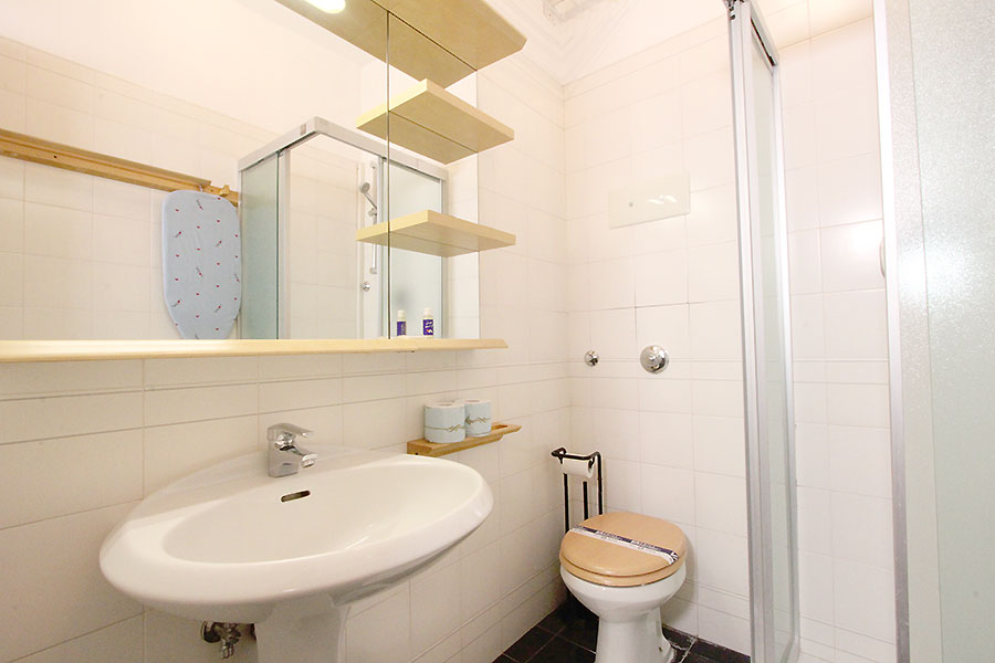 Photo 11 of 12 - Bellini, Bathroom